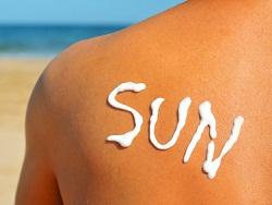 日焼けした肌にIPL脱毛器を使う